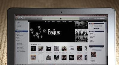 Hvordan redigere navnet på sangene i iTunes