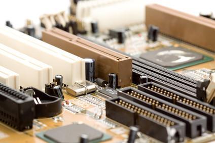 Hvordan starte opp til BIOS på en ASUS