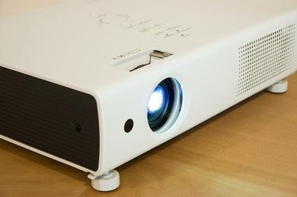 Hvordan sette opp en BenQ projektor med XP