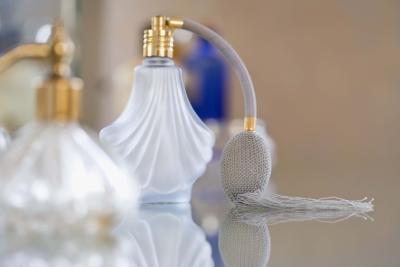 Hvordan lage parfyme med Dilutants