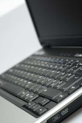 Hva er fordelene med bærbare datamaskiner i klasserommet?