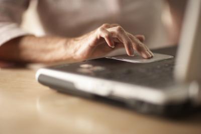 Hvordan du deaktiverer Touchpad mens du skriver