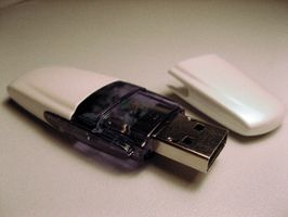 Hvordan legge en SanDisk Cruzer Micro Flash Drive