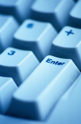 Hvordan du bytter ut tastaturet på en Dell Inspiron 600M