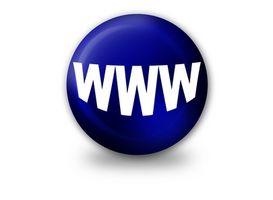 Hvordan lage et nettsted for gratis med en ekte URL-adresse